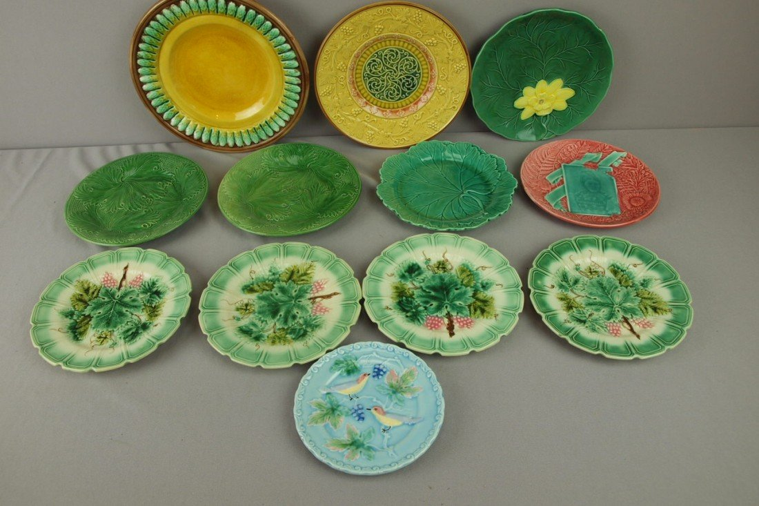 227: Majolica lot of 12 plates, various condition