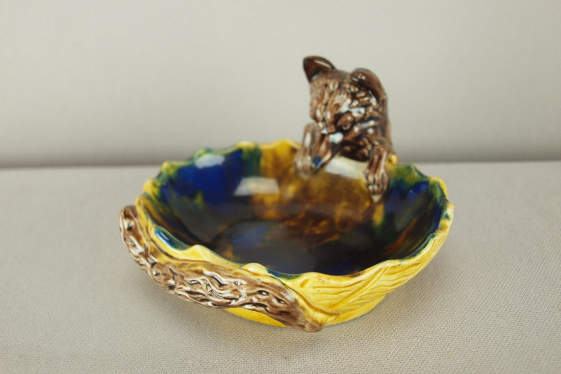 511: Majolica figural ashtray with fox head handle, 4 3