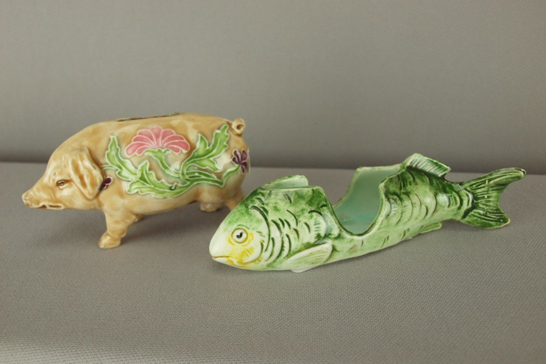 516: Continental majolica pig bank and fish toothpick h