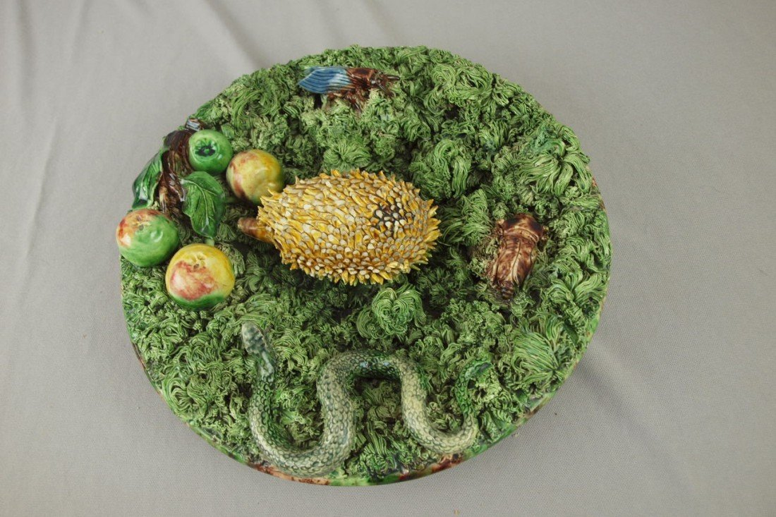 646: MAFRA Portugal Palissy Ware round plaque, rare for