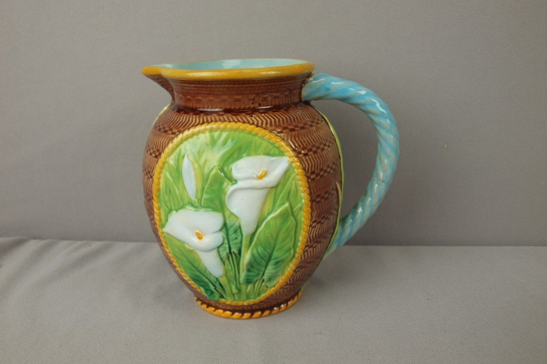 "731: GEORGE JONES majolica calla lily pitcher, 6"", hair"
