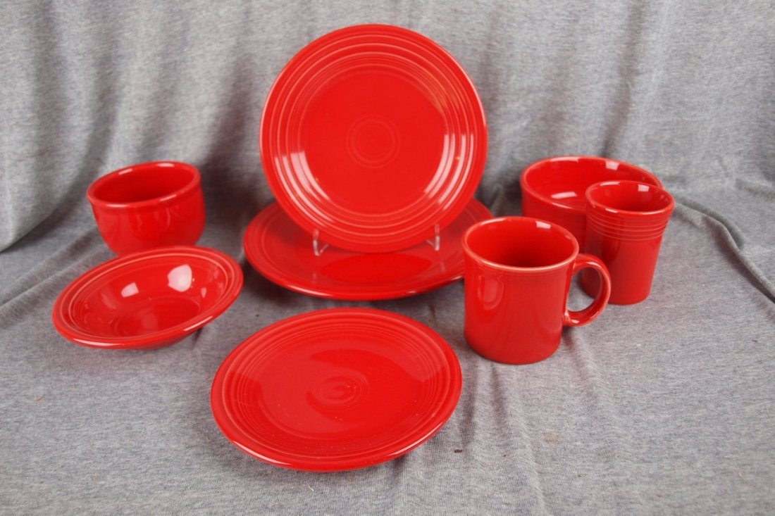 156: Fiesta Post 86 Scarlet 8 piece place setting