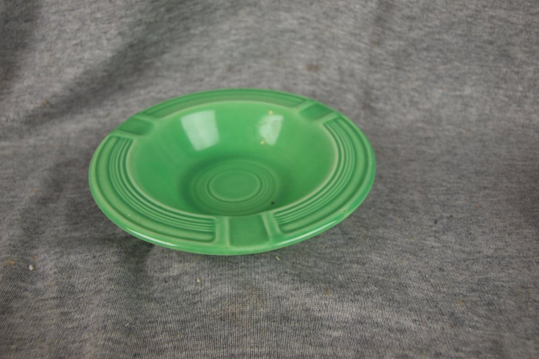 515: Fiesta ashtray, light green, glaze bubble imperfec