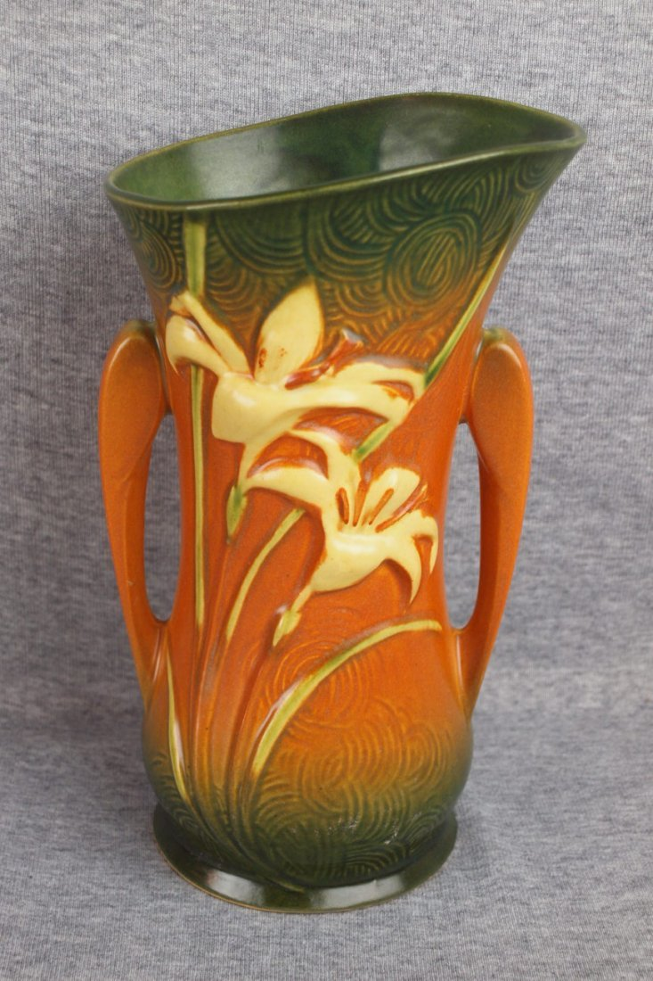 16: Roseville brown Zephyr Lily vase, 135-9""