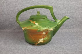 Roseville Green Snowberry Teapot, Minor Spout Nick