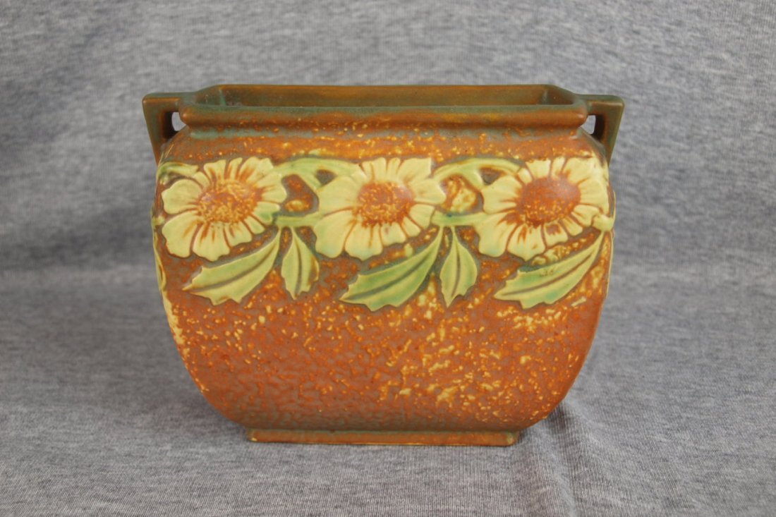 34: Roseville Dahlrose pillow vase, 5 1/4""