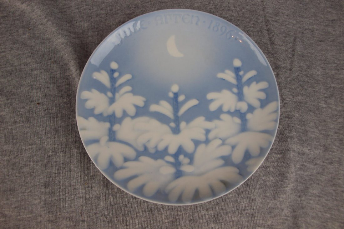 322: 1896 Bing and Grondahl annual Christmas plate