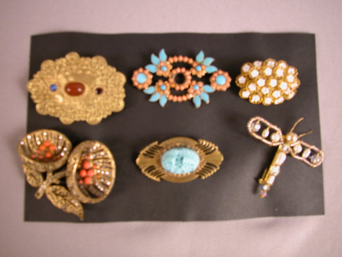 2: Lot of 6 brooches
