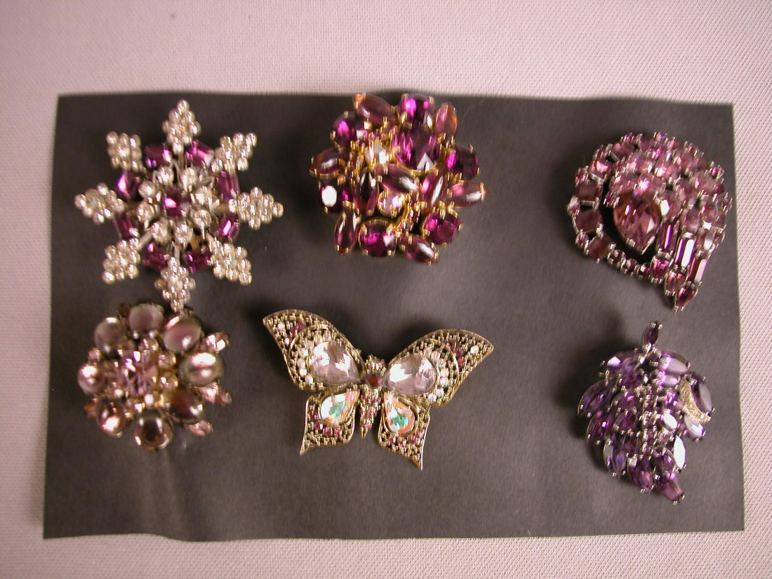 5: Lot of 6 brooches