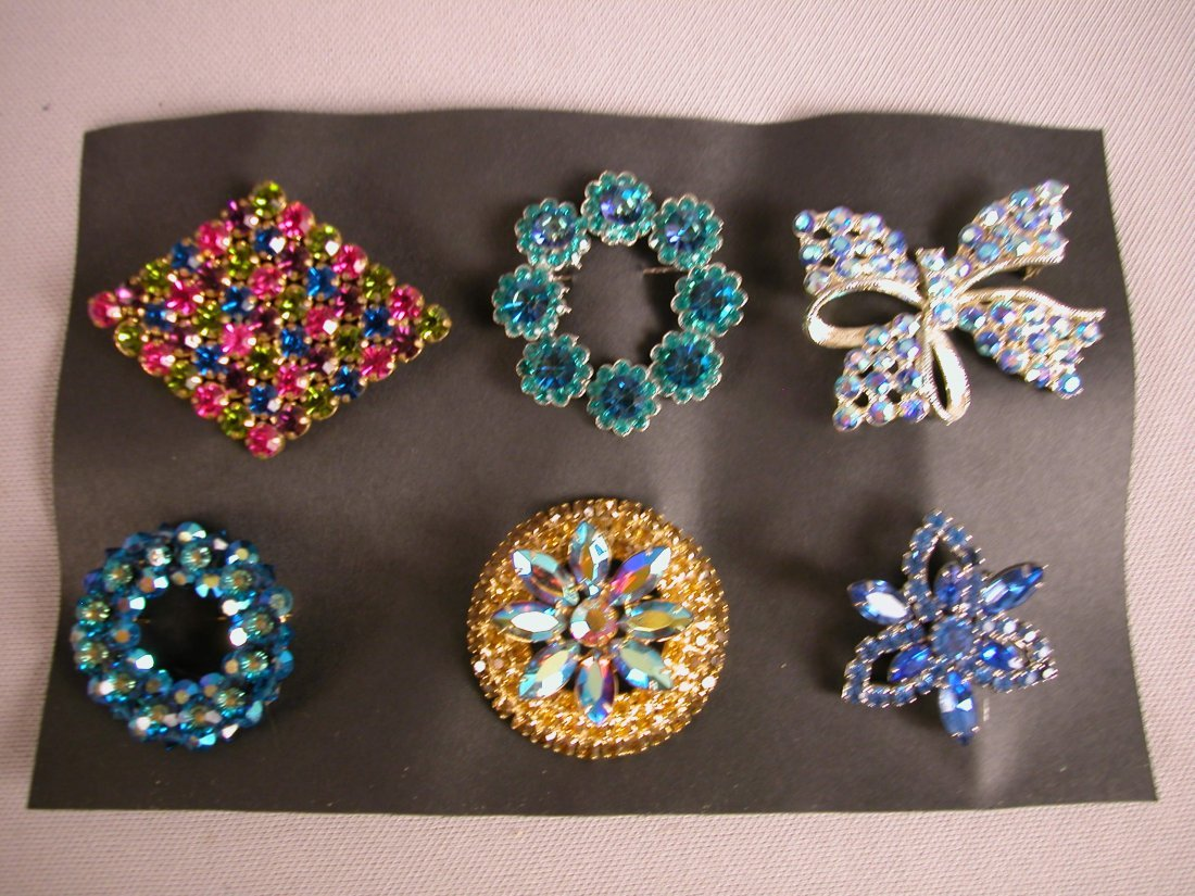 6: Lot of 6 brooches