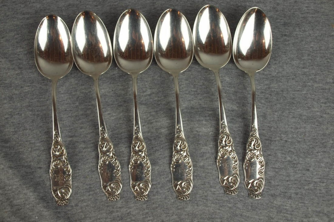 605:  Lotof 6 sterling silver table spoons, 9.9oz +/-
