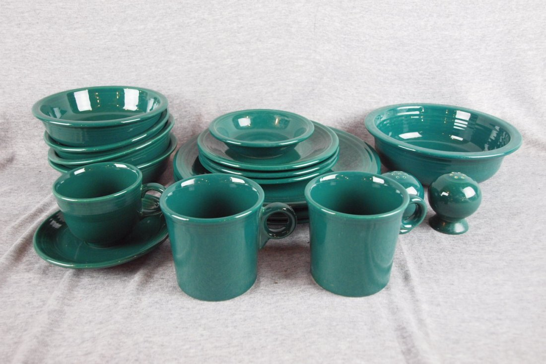 17: Fiesta Post 86 Evergreen lot of 18 pieces