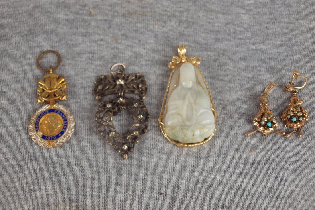 15:  Lot of 4 pieces of jewelry, one jade buddha in 14k