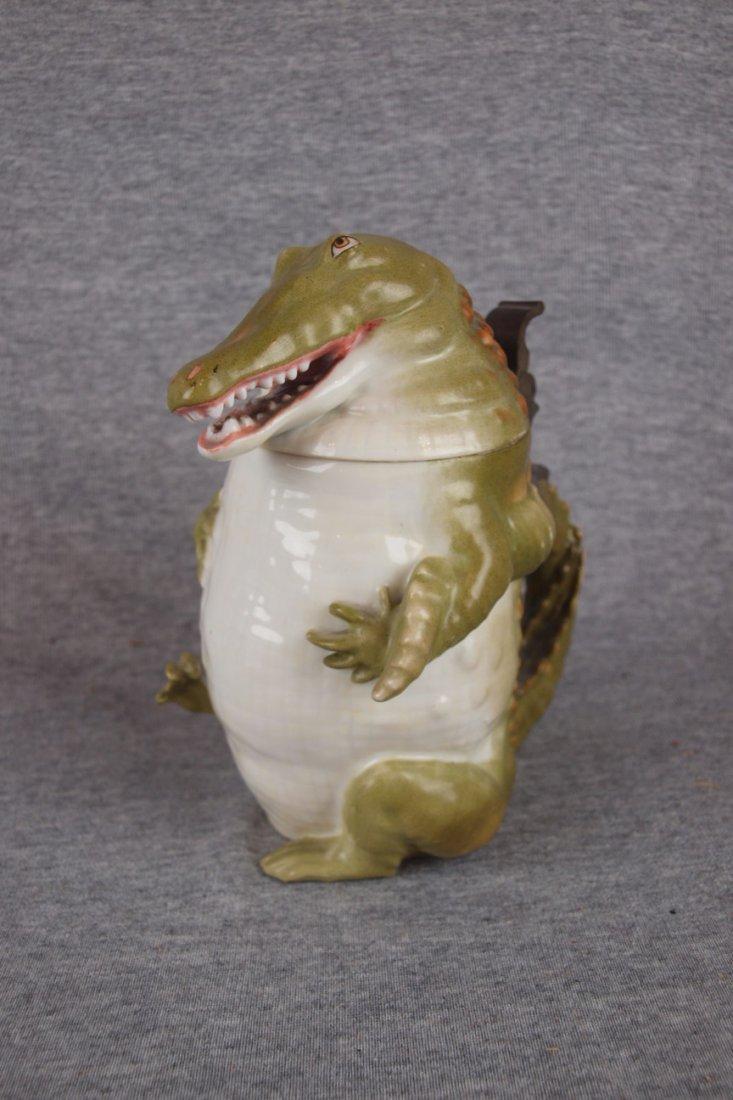 """691:  Musterschutz alligator figural stein, 7"""""""