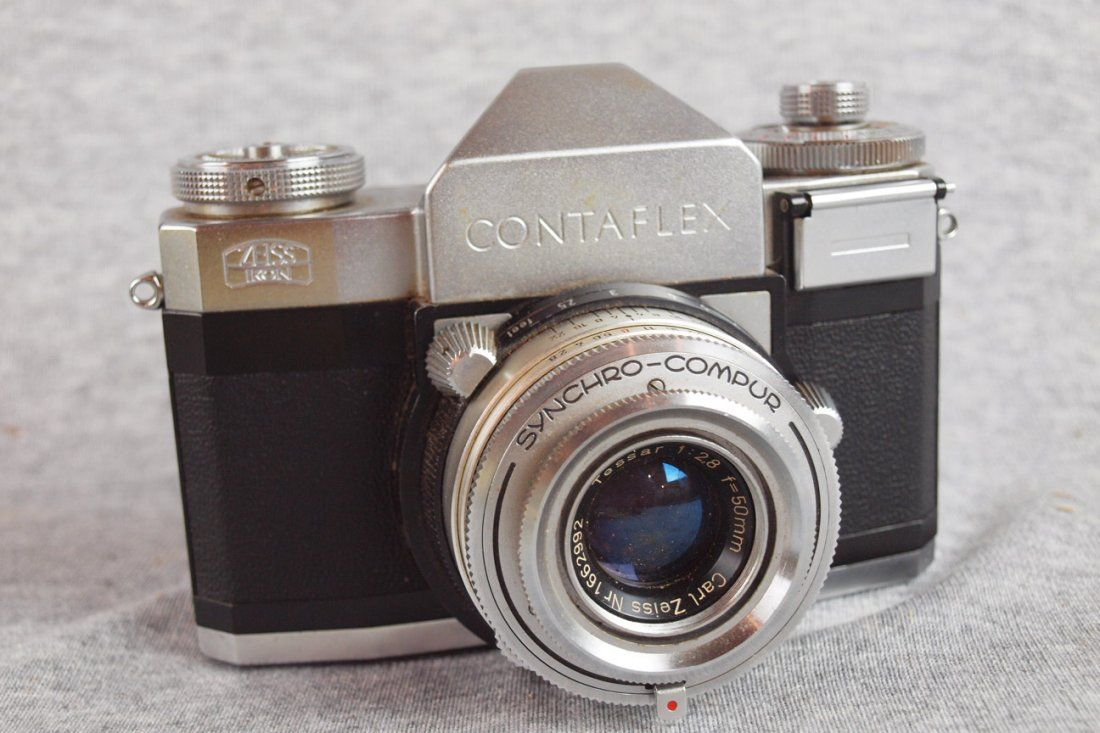 1195:  Zeiss Ikon Contaflex 35mm camera with Zeiss Tess