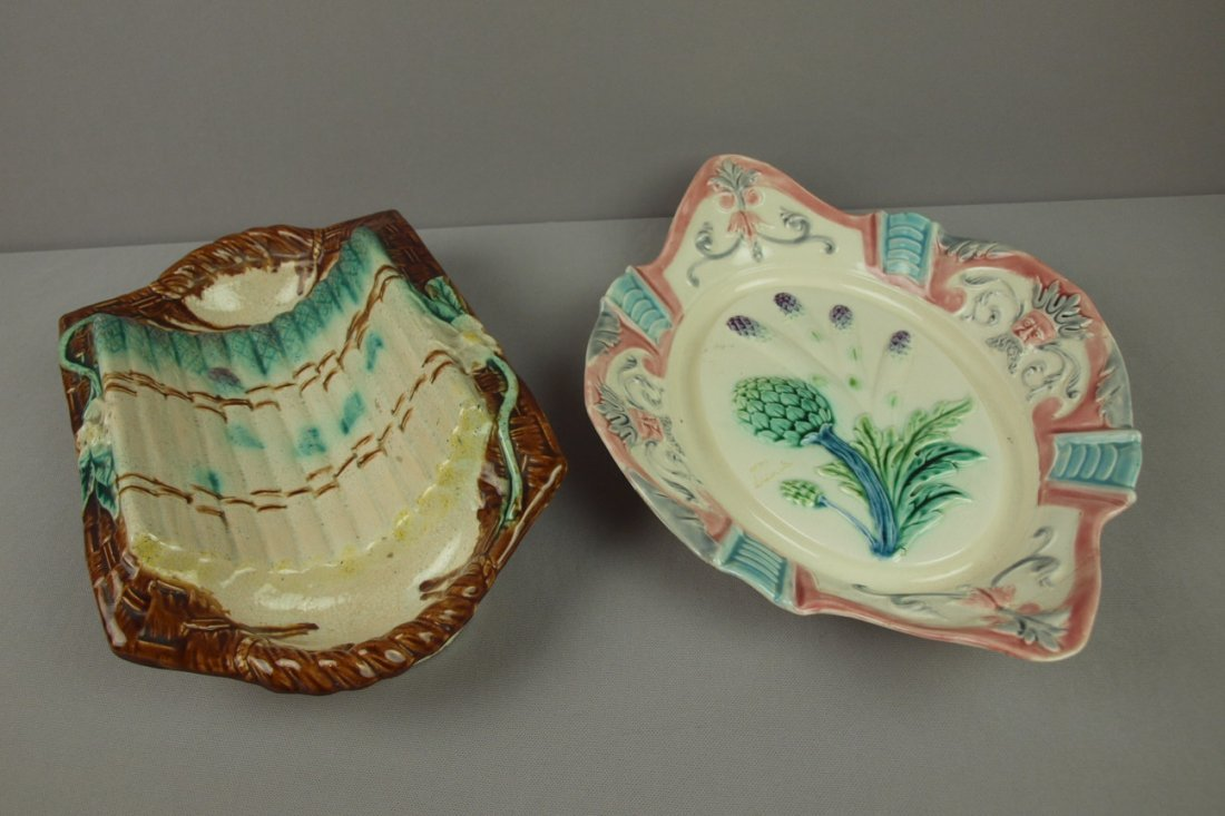 9:  Majolica lot of 2 asparagus trays, various conditio