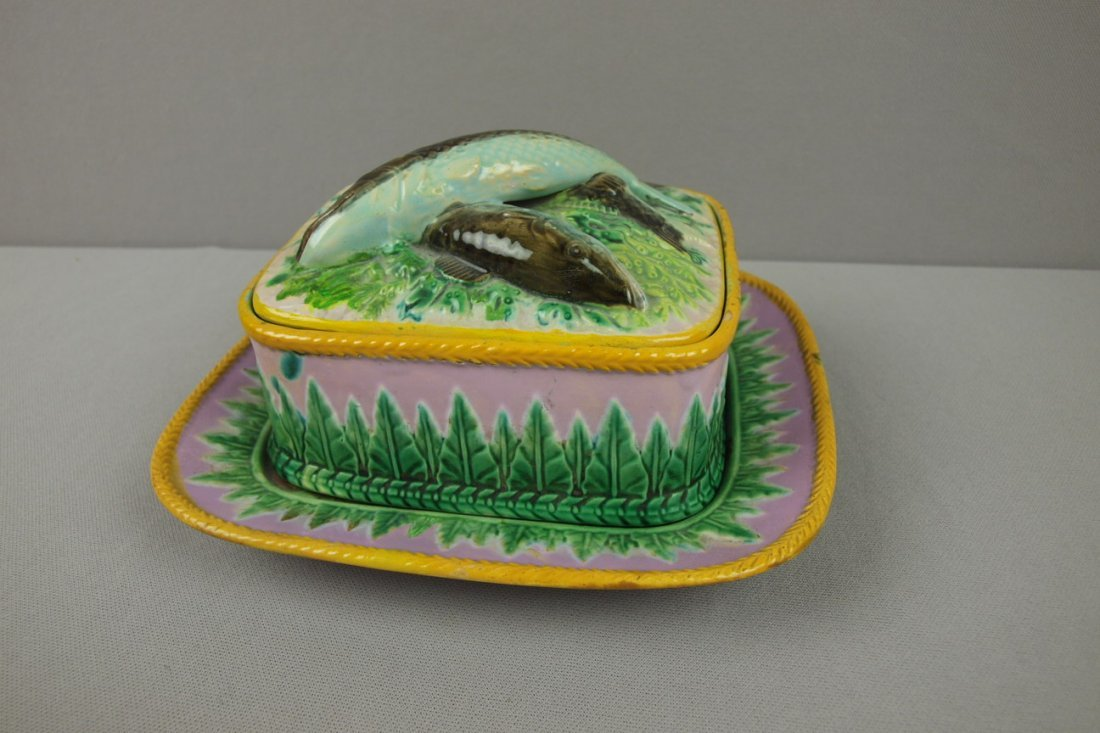 13:  GEORGE JONES majolica pink sardine box and tray, r