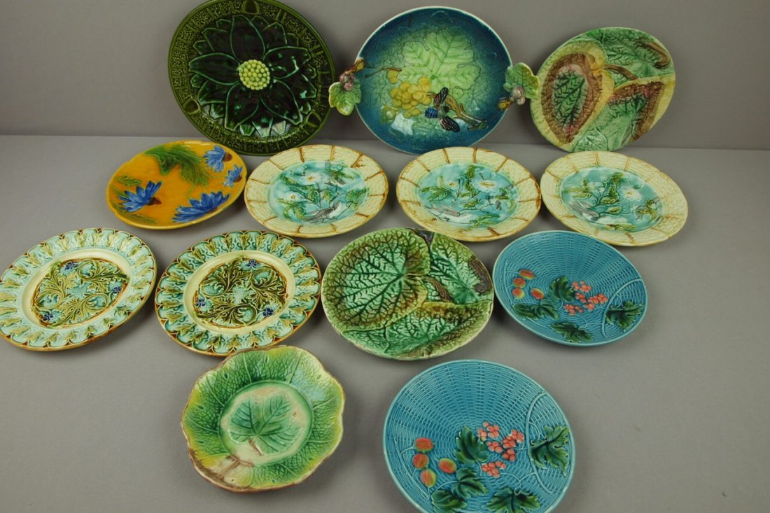 19:  Majolica lot of 13 plates, various condition