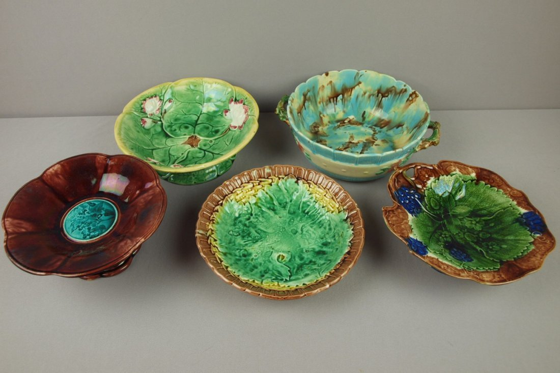 20:  Majolica lot of 5 compotes and bowls, various cond