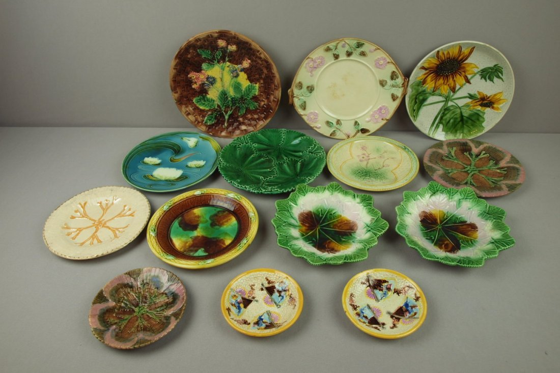 22:  Majolica lot of 14 plates, varoius condition