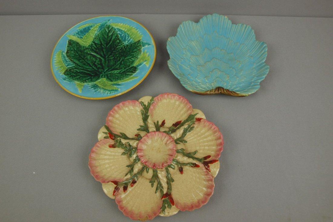 GEORGE JONES majolica lot of 3   plates, various condi