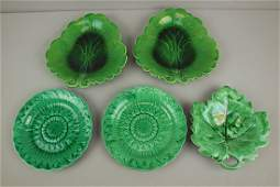 Majolica lot of 5 dark green plates and leaf trays