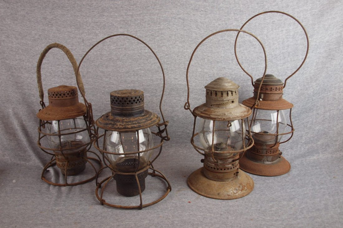 Lot of 4 railroad lantern,   various condition