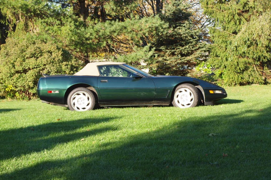 1992 Chevrolet Corvette   convertible, first year of 2n