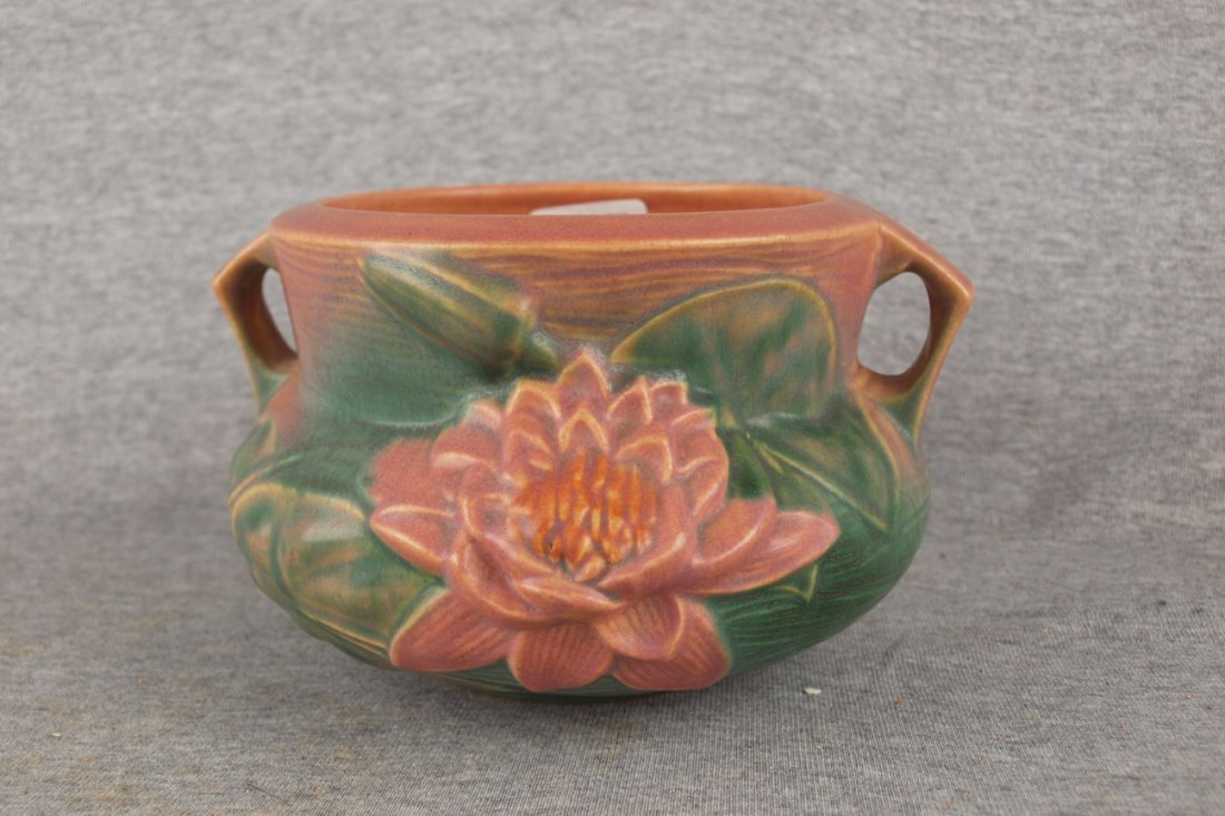 """Roseville pink Water Lily jardiniere, 663-5"""""""