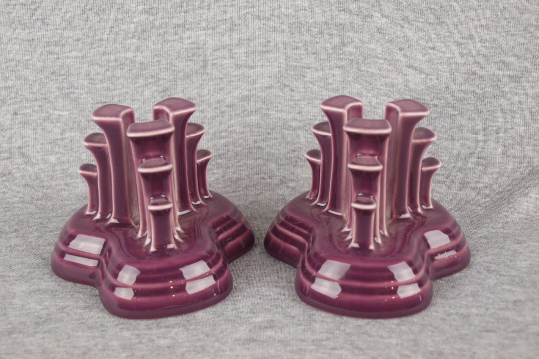 Fiesta Post 86 pyramid pair of candle holders, heather