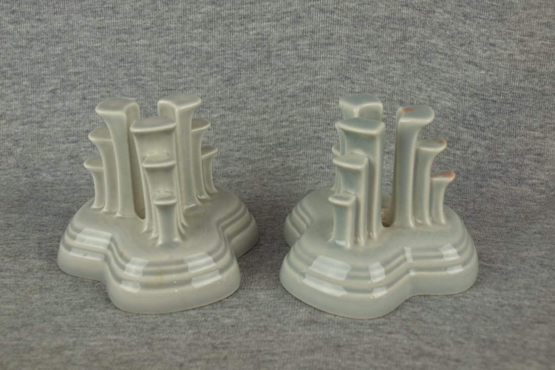 Fiesta Post 86 pyramid pair of candle holders, gray