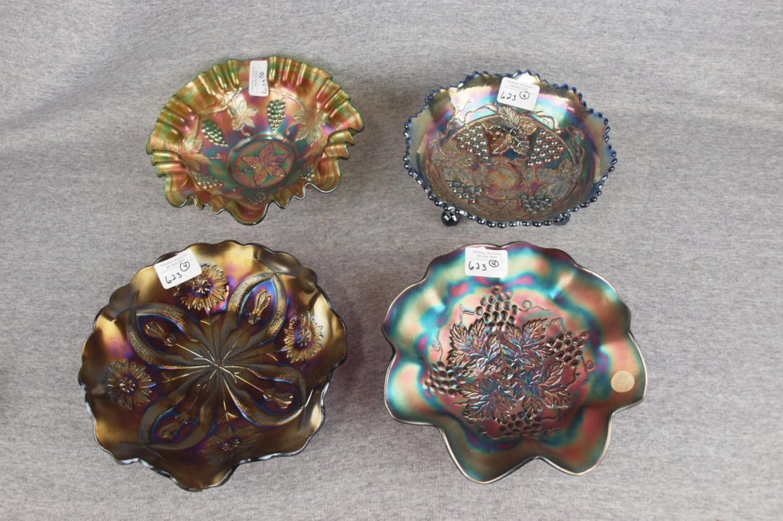 Carnival glass lot of 4 bowls - green Fenton grape,