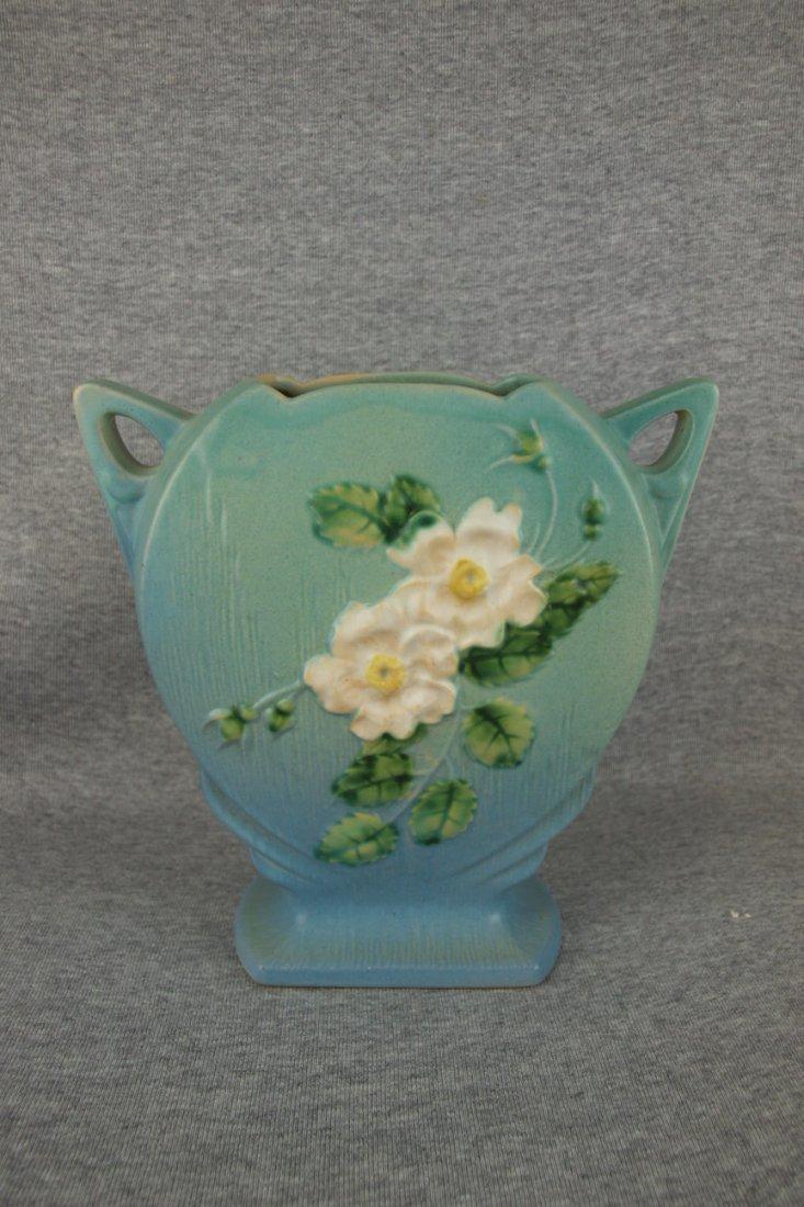 """Roseville blue White Rose vase, 984-8"""""""
