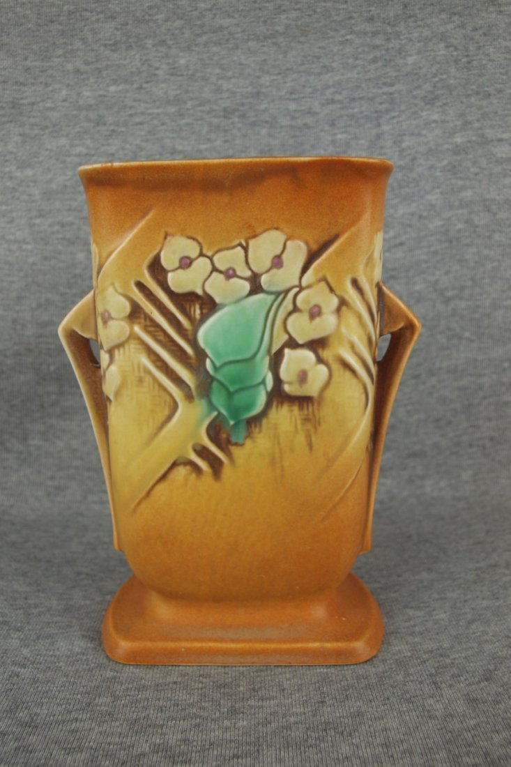 "Roseville brown Clematis vase, 123-7"""