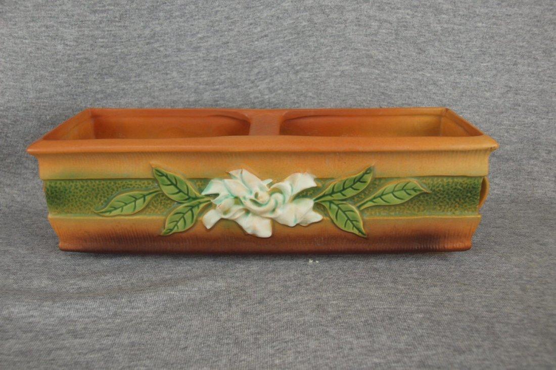 Roseville brown Gardinia window box planter, 669-12