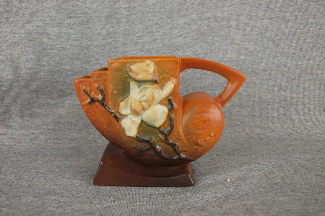 Roseville brown Magnolia vase, 182-5