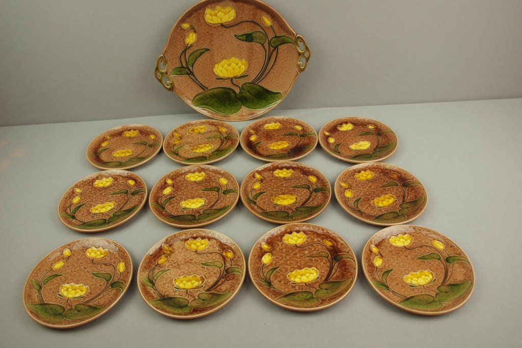 Villeroy & Boch majolica water lily dessert set with 11