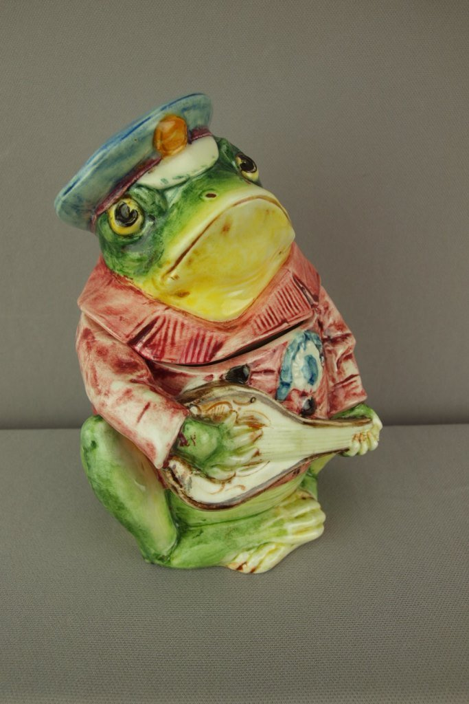 Continental majolica figural humidor in the form of a
