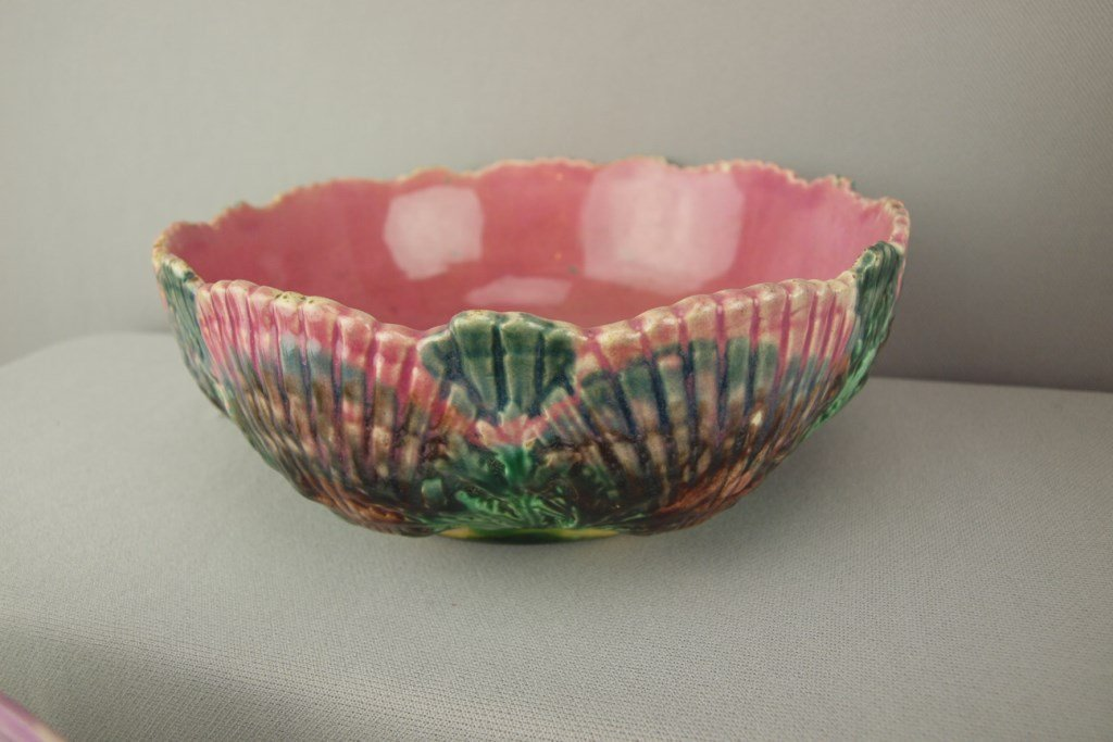 """ETRUSCAN majolica shell and seaweed bowl, 7 1/2"""", very"""