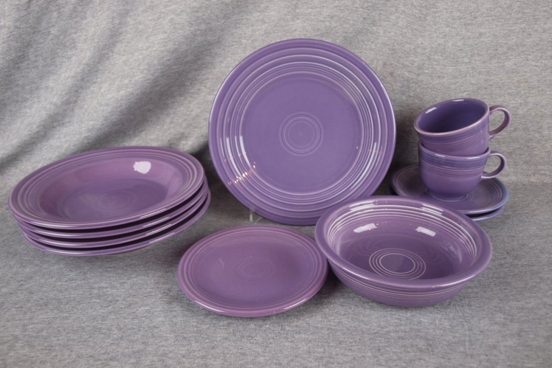 "Fiesta Post 86 lilac group - 4 deep plates, 9"" plate,"
