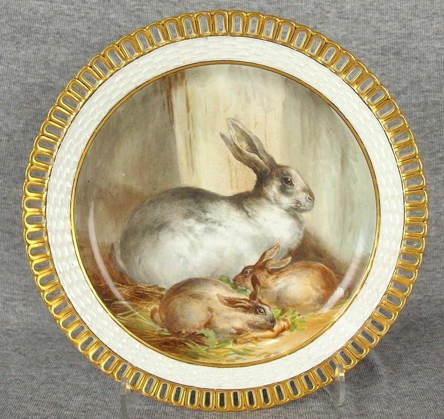 Rare, beautiful hand painted Minton plate, depicting a
