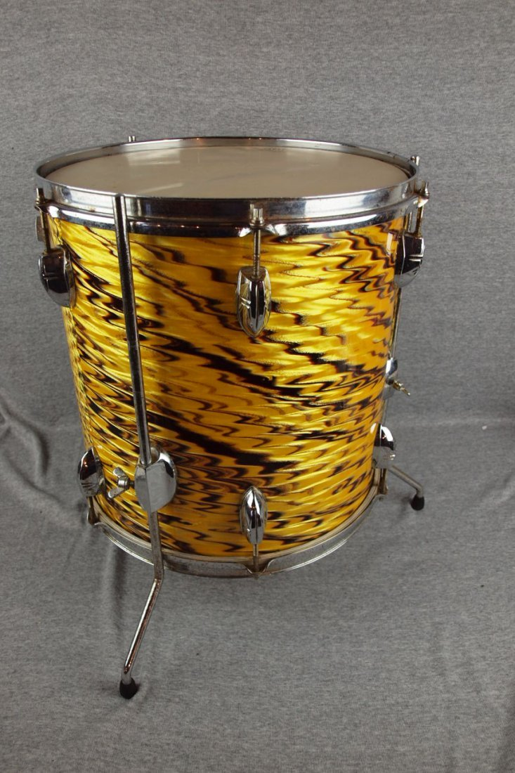 """Yamaha 1960/70's """"Yellow Tiger"""" drum set with 4 drums,  - 2"""