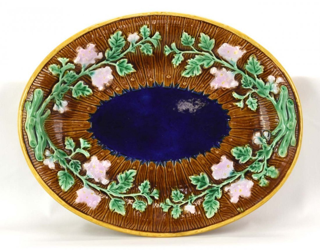 Majolica picket fence and floral platter with cobalt