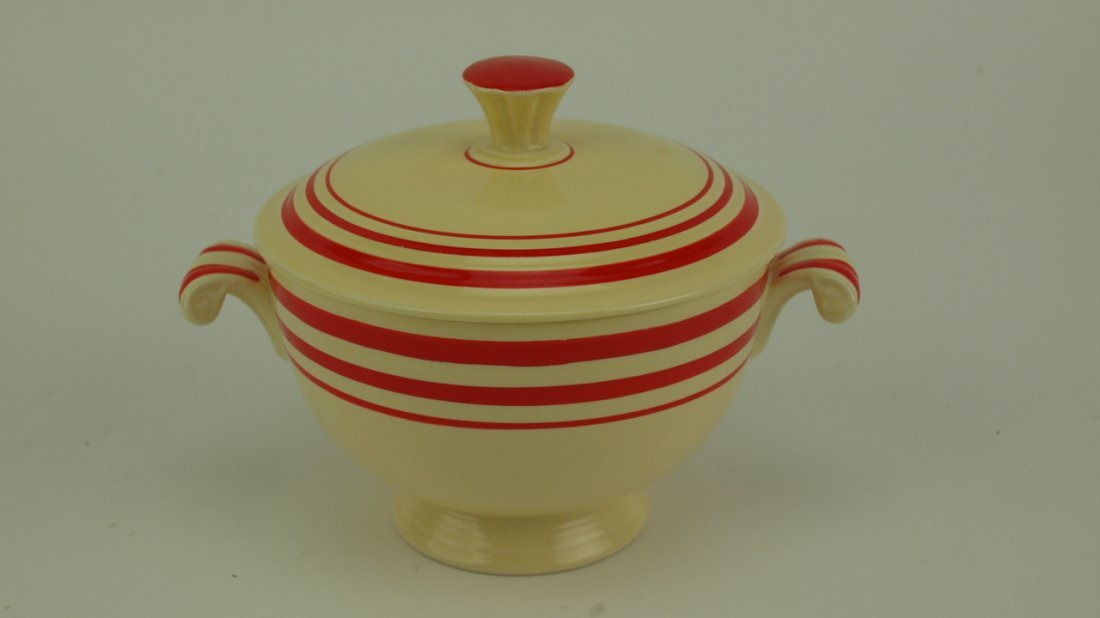 Fiesta RARE ivory red strip onion soup with lid,
