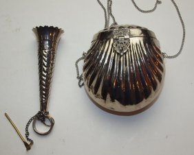 Ladies Silver Clam Shell Shape Purse And Silver Flower