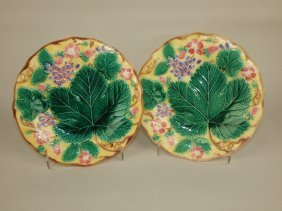 Wedgwood Majolica Pair Of Strawberry Plates With Yellow