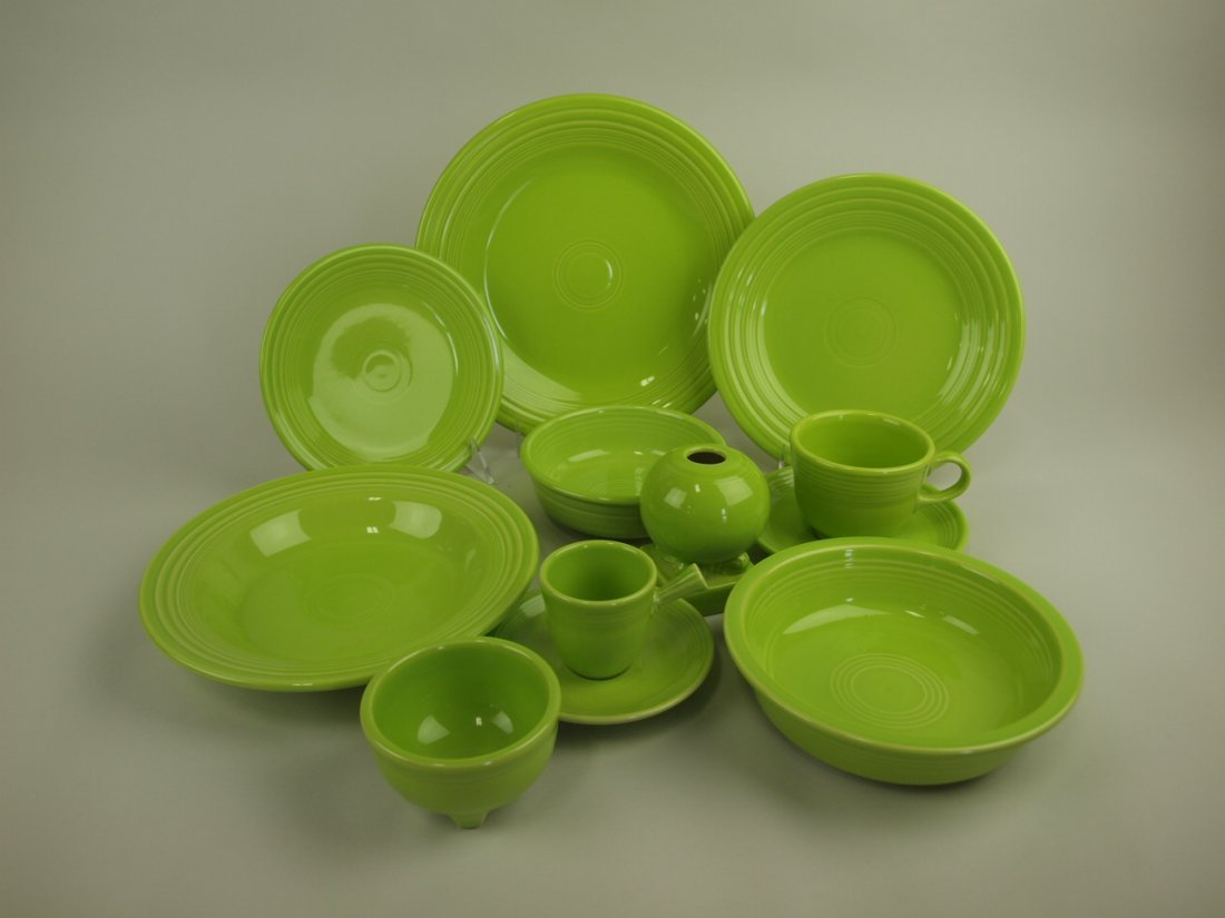 Fiesta Post 86 chartreuse lot of 10 pieces