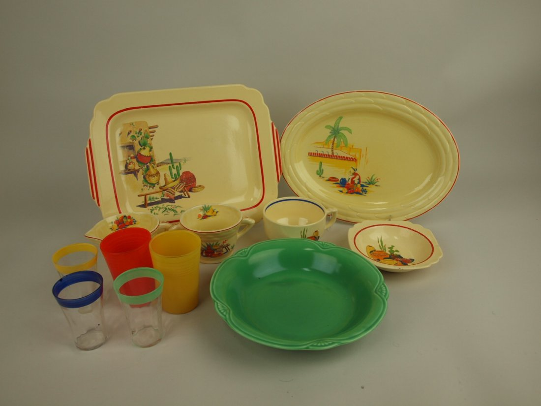 Homer Laughlin lot of assorted dishes and go-alongs