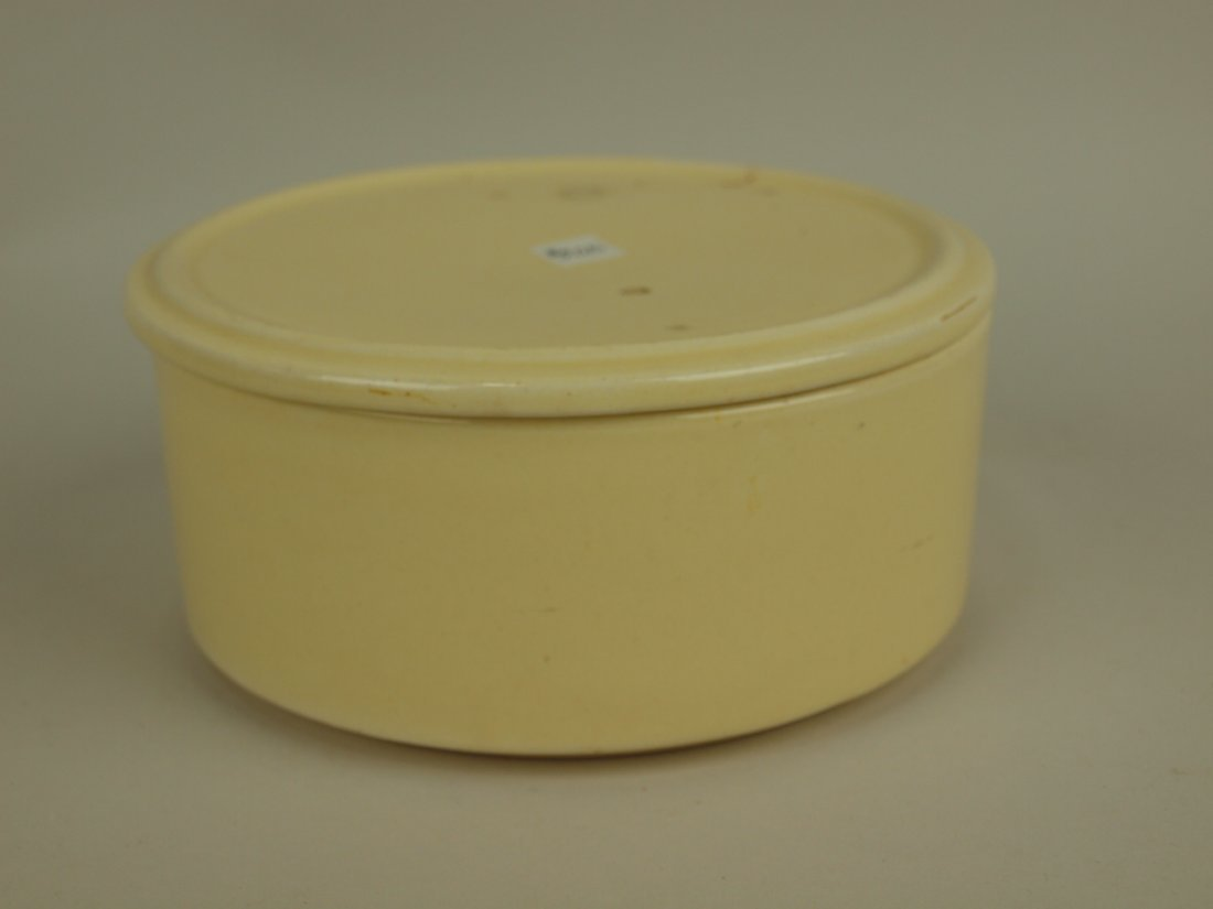 Fiesta Kitchen Kraft ivory stacking lid (glaze bubble