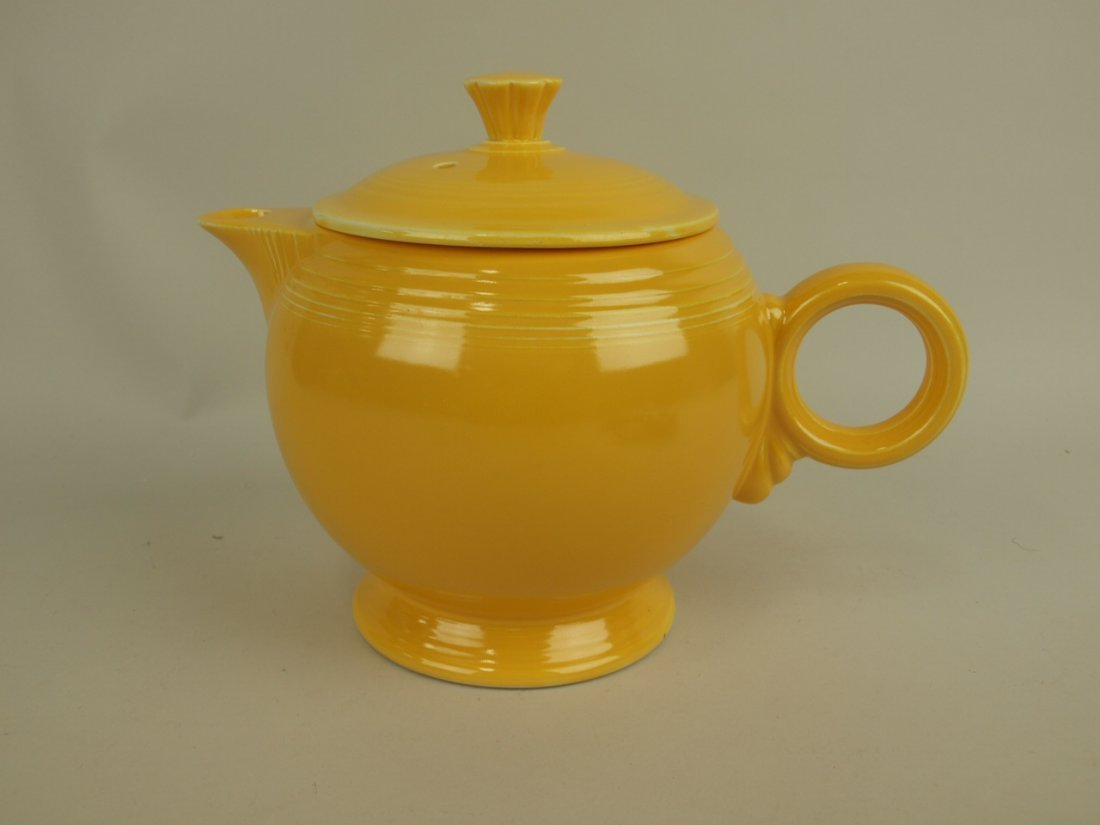 Fiesta large teapot, yellow